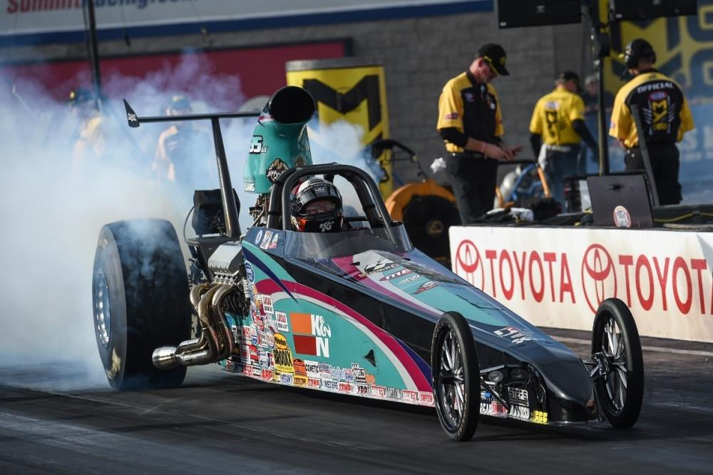 Steve's dragster features many K&N products